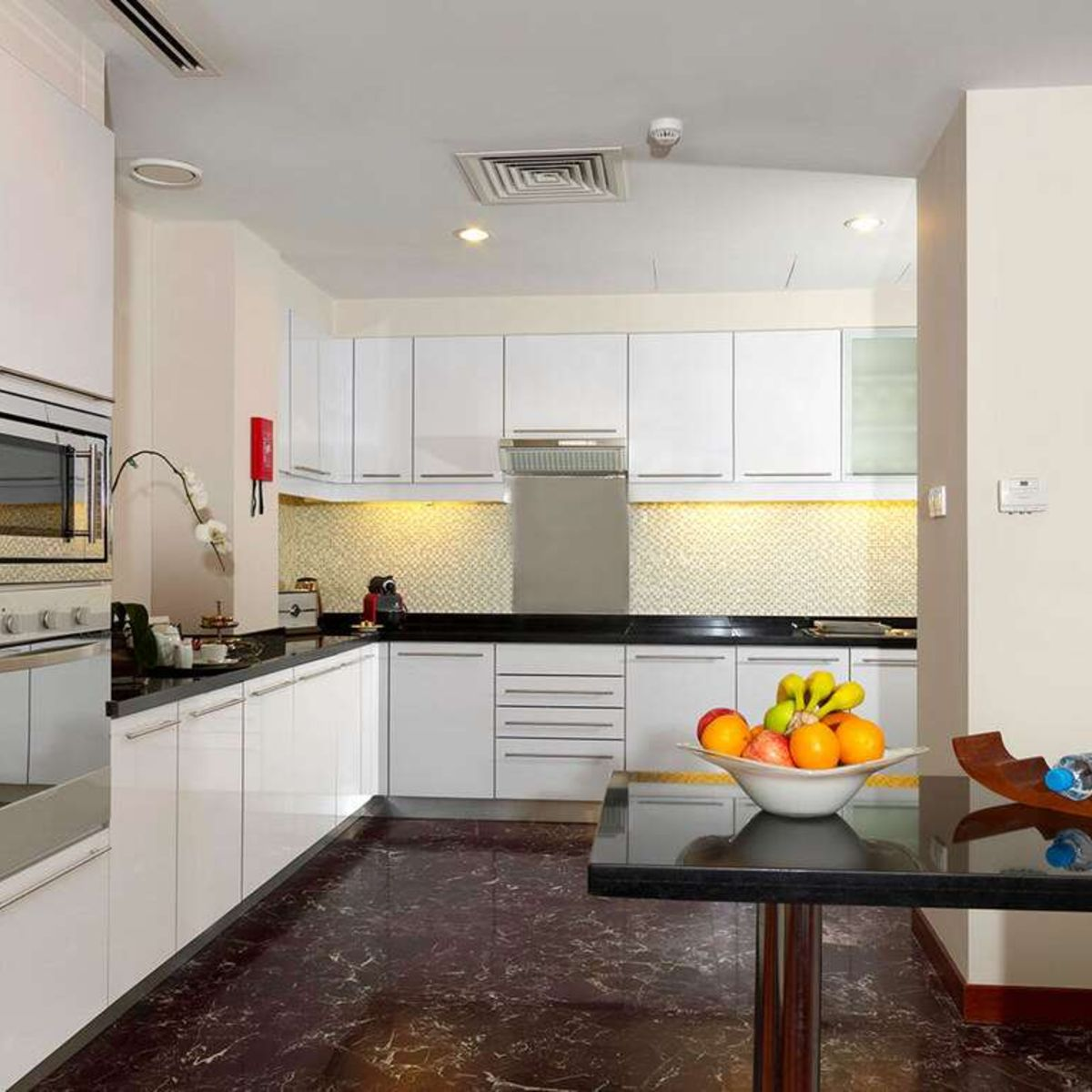 3br Penthouse Fully Equipped Kitchen